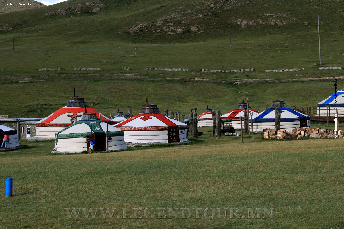 Фотография. Chinggis Khaani Khuree (Chinggis Khaan Khuree, Chingisiin Khuree) ger camp.
